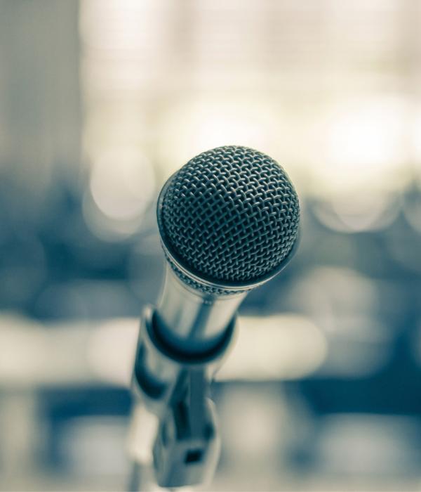 ronke taiwo microphone